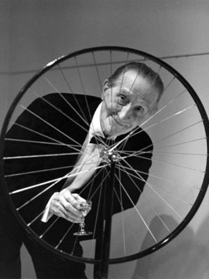 duchamp-bicycle-smiling-590x586